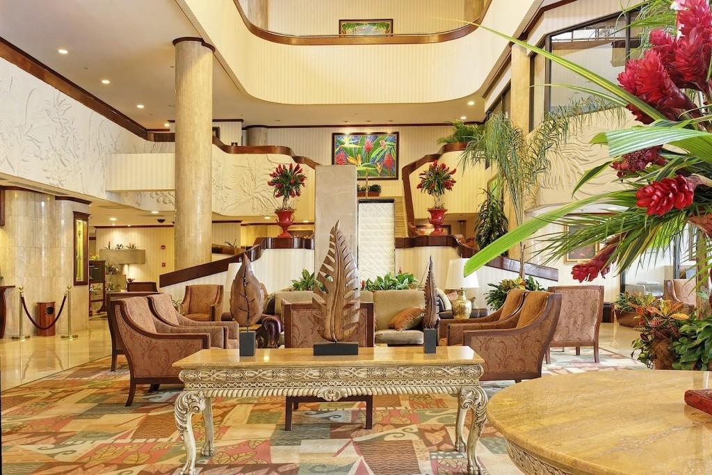 Aurola Holiday Inn